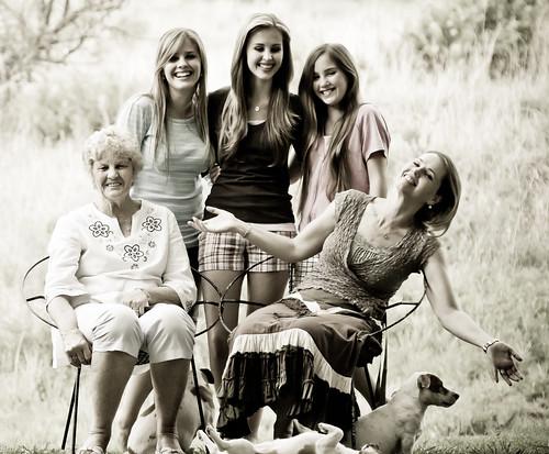 フリー写真素材, 人物, 親子・家族, おばあちゃん・おばあさん,