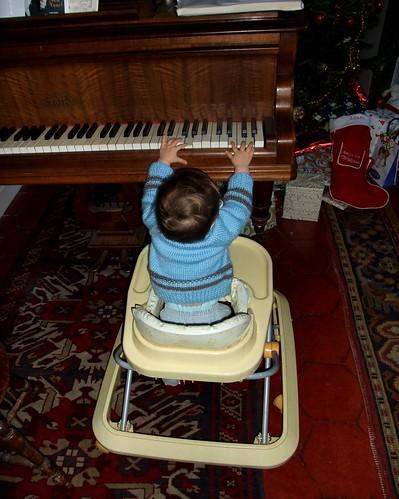 bébé pianiste