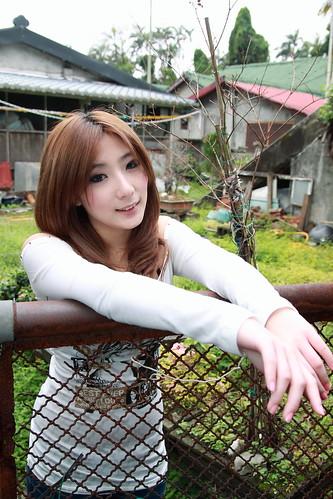[フリー画像] 人物, 女性, アジア女性, 201107112100