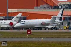 OE-GVX - 45-2097 - Vistajet - Learjet 40 - Luton - 110104 - Steven Gray - IMG_7430