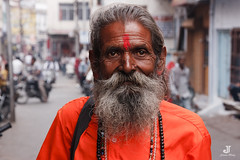 sadhu (Photalizer) Tags: street travel people india canon documentary hindu indien efs hindi rajasthan sadhu 1585 40d