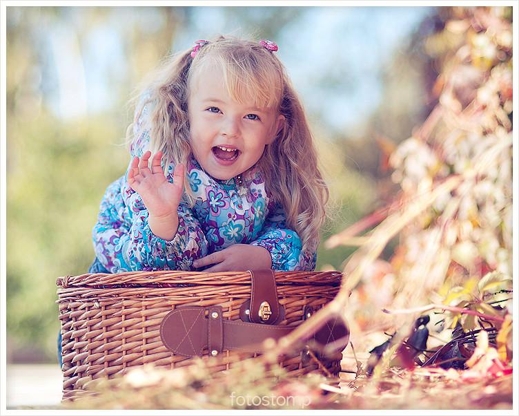 Фотосессия маленькой девочки. Фотограф Ирина Марьенко. Fotostomp.ru