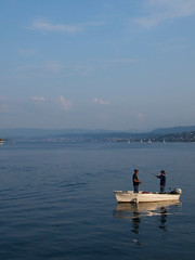 Fischer / Fishermen (Walter Gilgen) Tags: pen olympus panasonic zrich ep2 20mm17