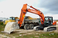 HITACHI Zaxis 201 LC (Ent. Detoisien) (xavnco2) Tags: somme picardie france chantier tp public works engin equipment longueau pelle hydraulique shovel excavator crawler chenilles hitachi zaxis 201lc orange