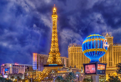 The Cloudy Strip at Night - Las Vegas (Mister Joe) Tags: vegas usa paris tower night nikon cloudy lasvegas nevada balloon joe strip bellagio dynamicrange ballys hdr casinos