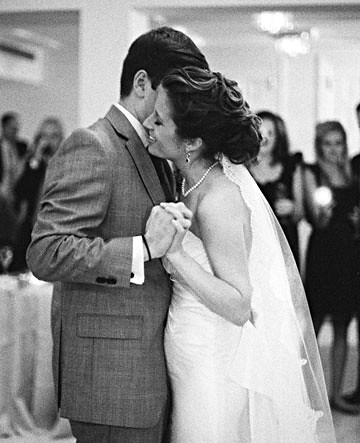 Allison & Chris's first dance, image by Kate Headley