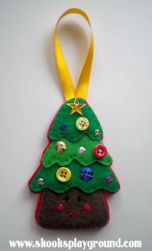 Christmas Tree Ornament 2010 - for Kee-ku