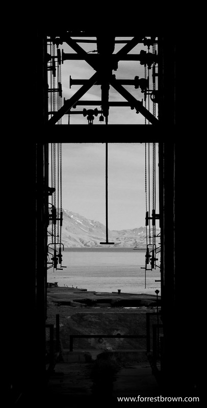 Grytviken, Machinery, abandoned whaling station