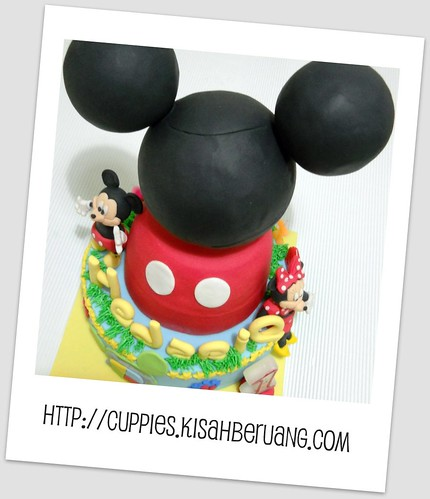 polaroid eriq's cake