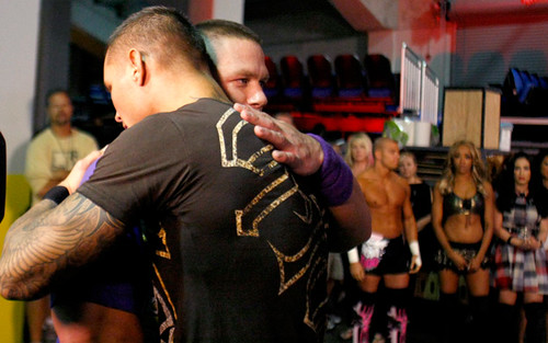 John Cena & Randy Orton ; Centon