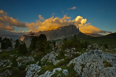 Sunset at Sella Group, Dolomites, Italy (Xindaan) Tags: italien blue light sunset red sky italy orange cloud sunlight white mountain mountains green nature berg yellow rock landscape geotagged outdoors evening abend licht nikon scenery europa europe italia sonnenuntergang dusk natur wolke wolken spire nikkor 16mm landschaft stein sella dolomites dolomiti d3 alpenglow 2010 gebirge dolomite dolomit mountainrange 1635 dolomiten gestein f13 alpenglhen 1635mm sonnenlicht langkofel stonecity beautyinnature 16354 sassolungo ndgrad campitellodifassa sellagroup trentinoaltoadige cittadeisassi singhray graduatedneutraldensity sellagruppe steinernestadt d3s saslonch 1635f4 zitadeisasc afsnikkor1635mmf40gedvr