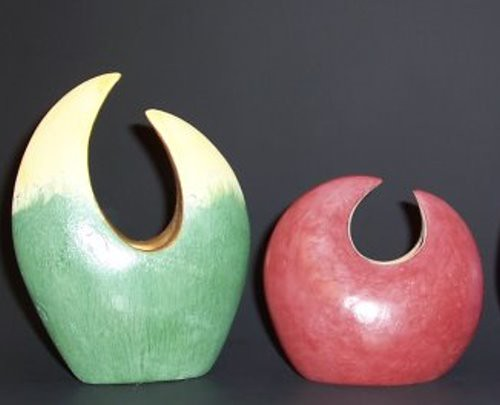 Burnished vases - greenware - Terre Verte (left) & Caput Mortuum Violet (right) 12-2010