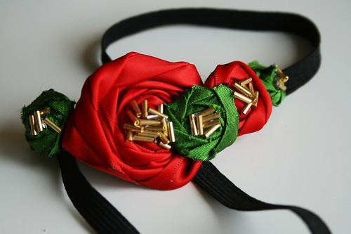 МК по изготовлению цветка лотоса из атласной ленты.