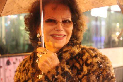 10l18 Tarde noche nieve Claudia Cardinale_0069 baja
