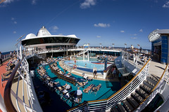Jewel of the Seas (blueheronco) Tags: cruise pool ship jeweloftheseas royalcaribbeancruises
