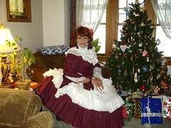 Laurette at Christmas (Laurette Victoria) Tags: christmas xmas wisconsin victorian milwaukee laurette hoopskirt laurettevictoria