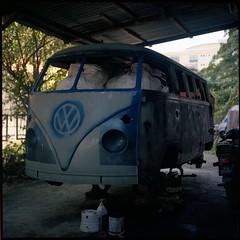 Safari Bus (SuhaimiSalleh) Tags: 120 6x6 tlr film analog square mf yashicamatlm twinlensreflex epsonv700 sekonicl308s yashinon80mmf35mediumformat
