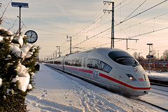 D DB ICE Emmerich 25-12-2010 (peters452002) Tags: railroad travel ice station train germany d siemens eisenbahn rail railway zug bahnhof trains olympus db etrain bahn railways trein railroads spoor spoorwegen treinen twop ferrovia elektrotriebwagen jalalspages clickcamera jalalspagestransportationalbum peters452002 olympuse520
