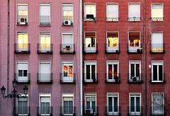 urban sunset (maroma) Tags: sunset urban building window canon ventana casa edificio reflect reflejo