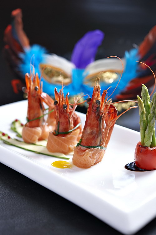 Prawn & Asparagus rolled with Smoked Salmon