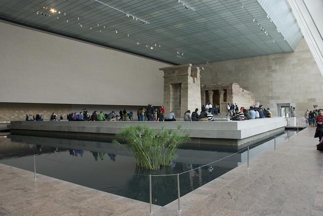 d5 MET temple of dendur view2