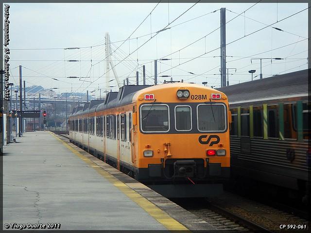 Série 592 (ex-RENFE) - Página 2 5363439478_990bc8150b_z