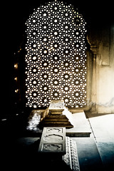 Glo(w)rious End (knowsnotmuch) Tags: light shadow film kodak iso400 tomb nikonf100 hyderabad jaali