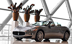 The Trident's Four-Seater Convertible (Thomas van Rooij) Tags: maserati grancabrio cabriolet convertible car cars hessing cardealer dealership reflection reflections profile light lighting supercar exotic fast power thomas rooij thomasvanrooij nikon d90 nikkor 18105 utrecht netherlands italian automotive photography architecture buidling trident fourseater nederland sportscar