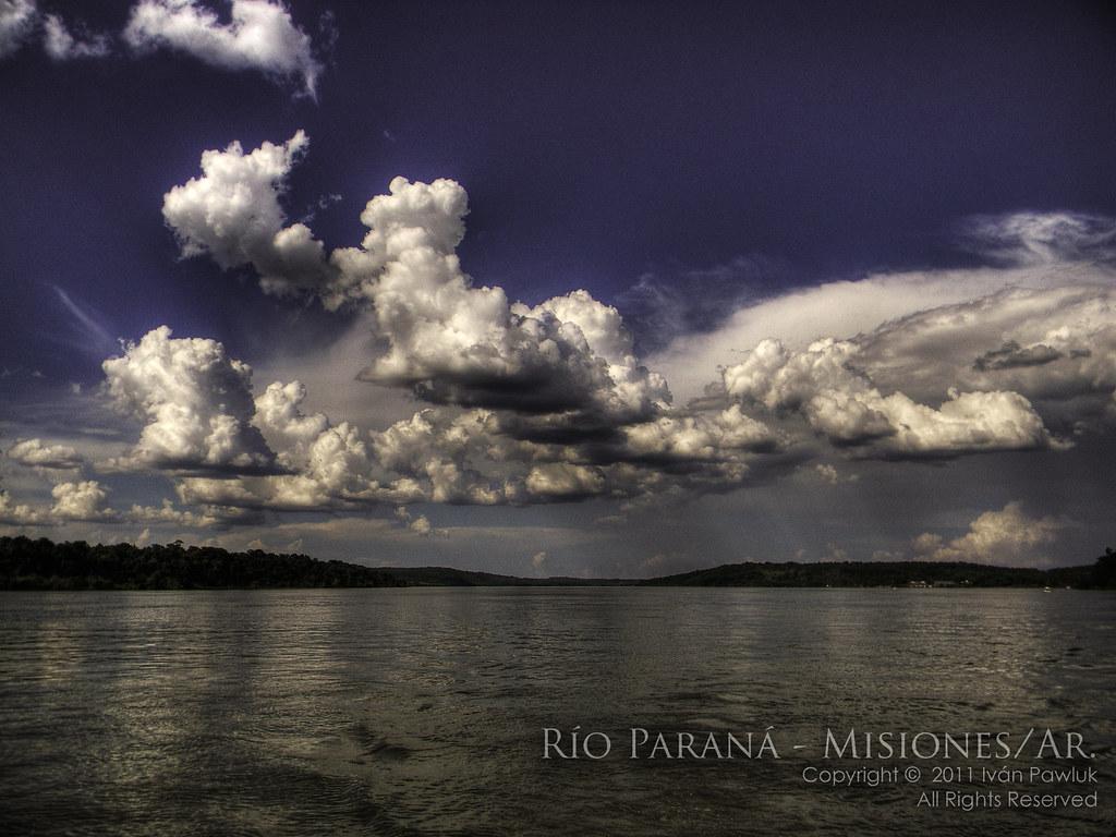 Cielos del Río Paraná - Misiones Argentina