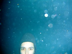 almost outside the photo (* Patrcia *) Tags: water pool gua fun underwater piscina