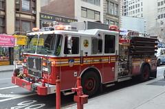 Feuerwehr New York 5 (herby0401) Tags: new york newyorkcity rescue usa truck fire nikon manhattan engine firetruck fireengine 5100 firefighter feuerwehr brigade feuerwehrauto nikon5100