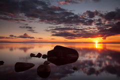 Meeresblick (Dietrich Bojko Photographie) Tags: sunset sea seascape germany landscape deutschland see stones balticsea baltic explore rgen landschaft frontpage ostsee stillness mecklenburg dietrichbojko mecklendurgvorpommern zickerscheshft dietrichbojkophotographie