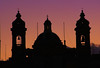 Alle porte dell'isola (Nuxis [Davide]) Tags: sunset building church silhouette tramonto sony iglesia malta chiesa isola lavalletta vittoriosa nuxis alpha350 davidepampana