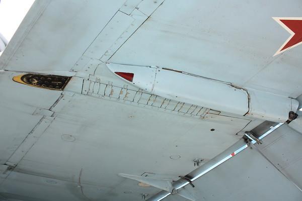 EAA10_FA-18C_059