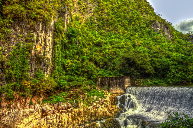 A Dam in Manila rendered in HDR