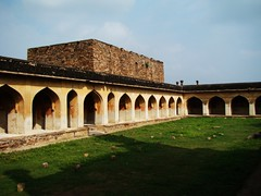 a view of Granary outside of Jamia Masjid (Pavan Kumar Bandaru) Tags: jamiamasjid raghunathatemple gandikota madhavarayatemple georgeofgandikota jammalamadugugandikotajamiamasjidmadhavarayatemplegeorgeofgandikotaraghunathatemple