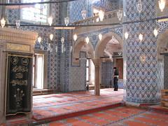 Mosque de Rstem Pacha - Salle de prire (zamito44) Tags: faence turkey trkiye istanbul mosque turquie ottoman sinan mosque camii eminn iznik rstempasa rstempacha