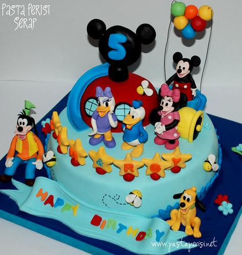 Mickey mouse evi pastası