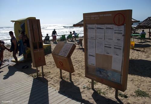 Chuveiros na praia