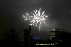 end Licht (zoomseb) Tags: berlin sylvester platz potsdamer feuerwerk monumentenbrcke