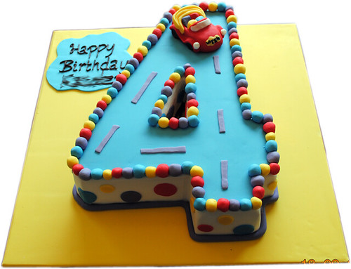 Number 4 Birthday Cake Template http://bigfatcook.com/tipsntricks/foodydoo/fourth-birthday-cakes/