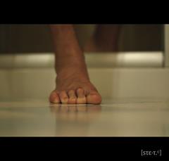 [ste_9999_4] come mi vedono gli altri ([steTt] sofasurfer since1974) Tags: feet self canon shower foot autoritratto canoneos piede piedi autoscatto doccia canoneos400d canon400d