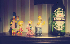 # Heineken (Carlos Fachini ™) Tags: pictures inspiration photoshop vintage heineken toy photography brinquedo image sony imagens simpsons images photograph fotografia imagem photograpy inspiração a130 w130 sonyw130