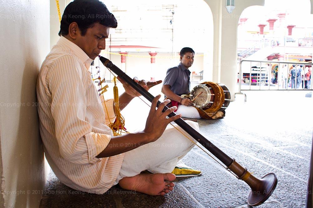 Musician @ Sri Mariamman Temple, Singapore