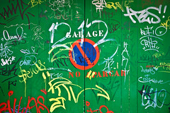 "GARAGE ""No Aparcar"" (Juan Antonio Cap) Tags: texture textura graffiti pattern grafiti background surface textures fondo pintada muster texturas textured hintergrund superficie sfondo pichao   oberflche  modello patrn textur      consistenza  colorphotoaward  yazs      duvar"