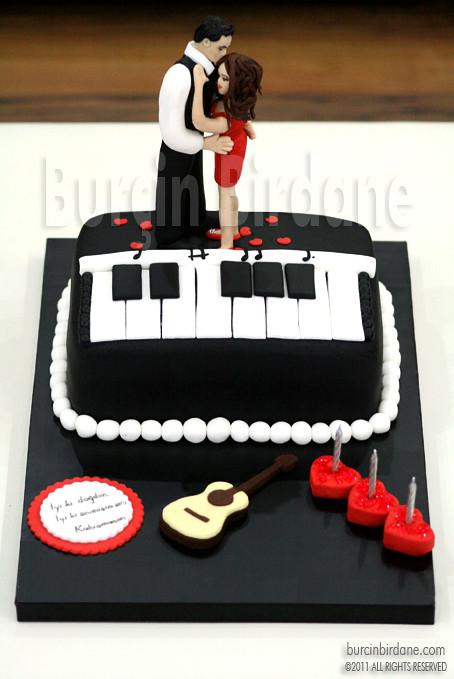 Piyano ve Romantik Dans