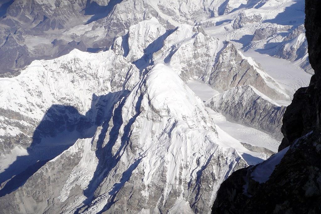 Pumori (7161 m) summit