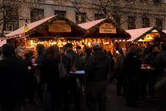 Christkindlmarket Chicago (DAJanzen) Tags: christmas outdoors holidays familytradition daleyplaza chicagoist nikond200 justgo christkindlmarketchicago officialchicagochristmastree aglowinwarmlight germanfoodyum betterattwilight