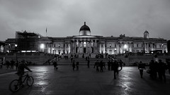 Wet Evening (Junnn) Tags: light england blackandwhite bw building london architecture pen trafalgarsquare olympus nationalgallery 169 ep1 silverefexpro micro43 microfourthirds 918mmf456 olympusep1 olympuspenep1 mzuikodigitaled918mmf456 mzuiko918mmf456