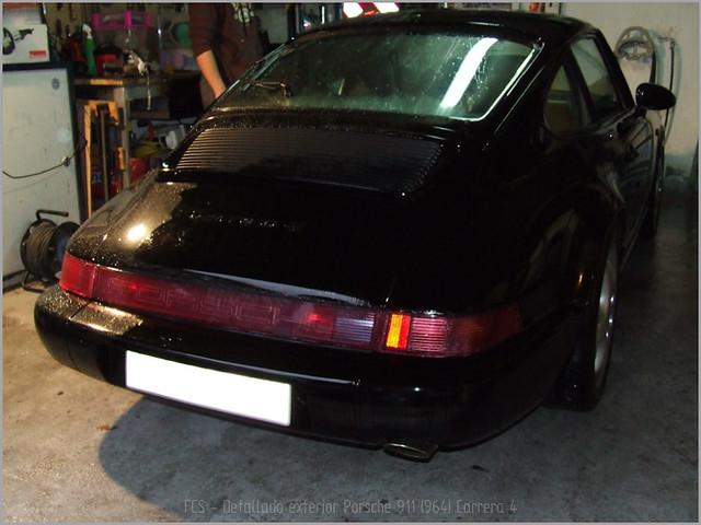 Porsche 911 Carrera 4-02